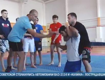 Олег Борисов провёл мастер-класс по боям без правил в Сызрани